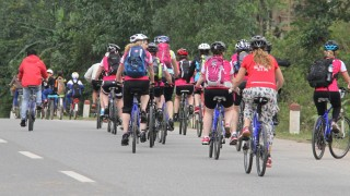 Fundraisers cycling through Vietnam