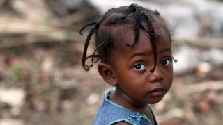 Sponsor a child girl lives in Cayes-Jacmel