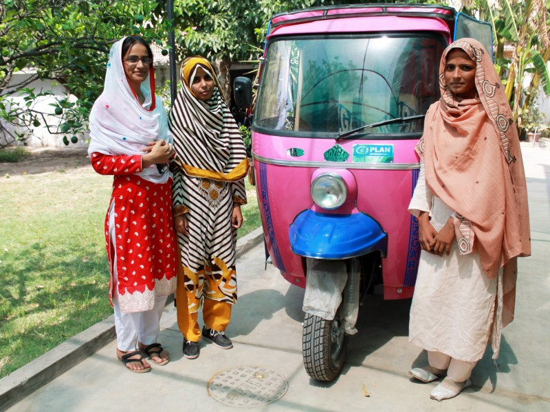 Pakistans all-female rickshaw drivers ensure safe rides for women