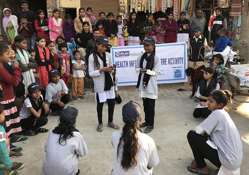 Street theatre through the Young Health Programme in India