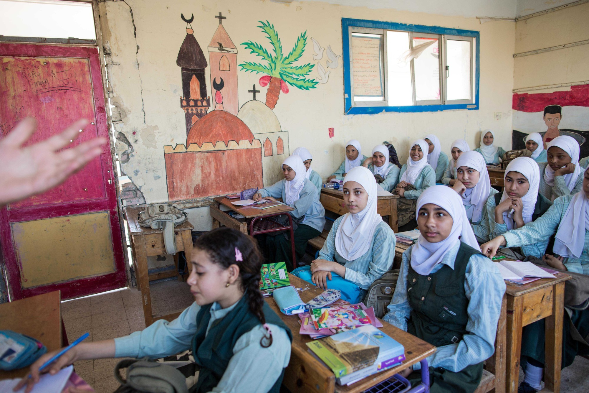 Syrian refugees learning in Egypt