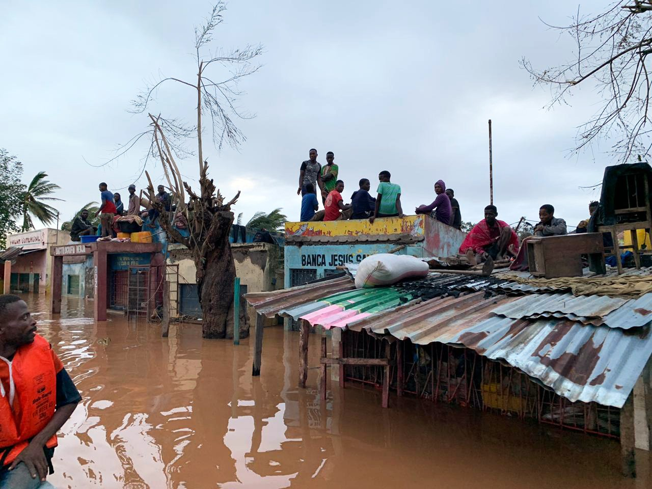People take shelter in in Buzi district, Mozambique