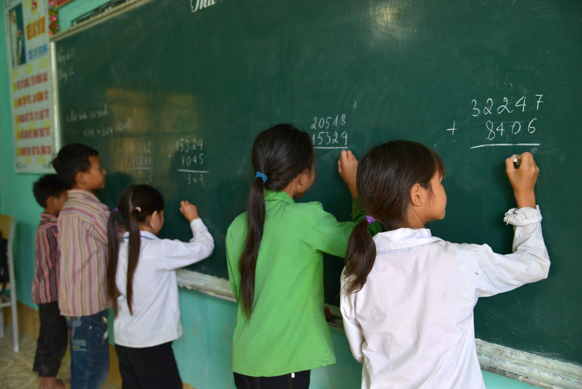 Girls stay in school for longer in Vietnam