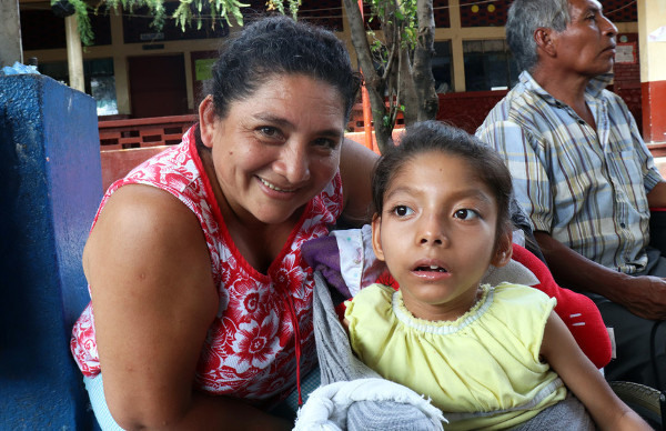 Alba and her daughter at a shelter in Guatemala